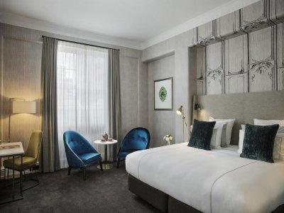 hotel-grand-windsor-auckland-room2jpg